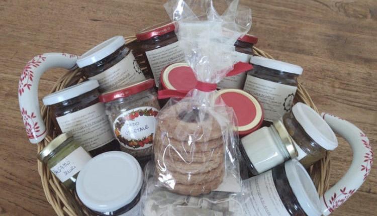 pacco regali per amici e parenti